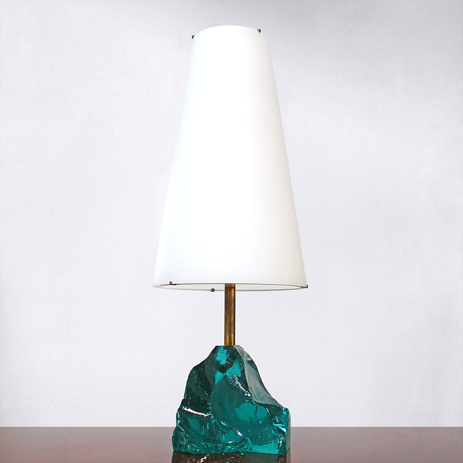 Rock table lamp by roberto rida nicholas alistair for Rock lamp